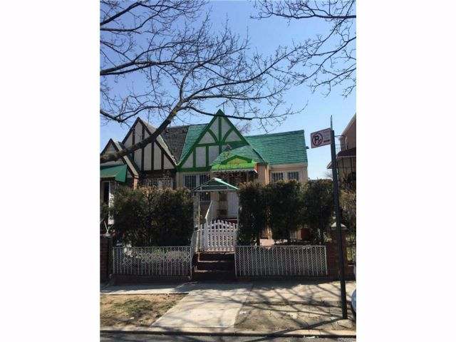 2 BR,  2.00 BTH Ranch style home in East Elmhurst