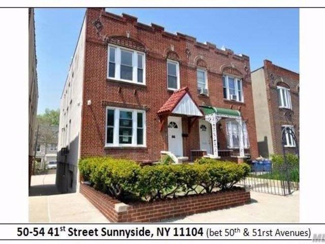 8 BR,  3.50 BTH Colonial style home in Sunnyside
