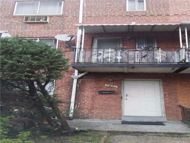4 BR,  2.50 BTH Duplex style home in East New York
