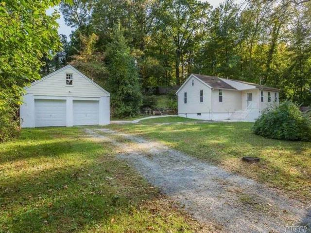 3 BR,  1.50 BTH Ranch style home in Stony Brook