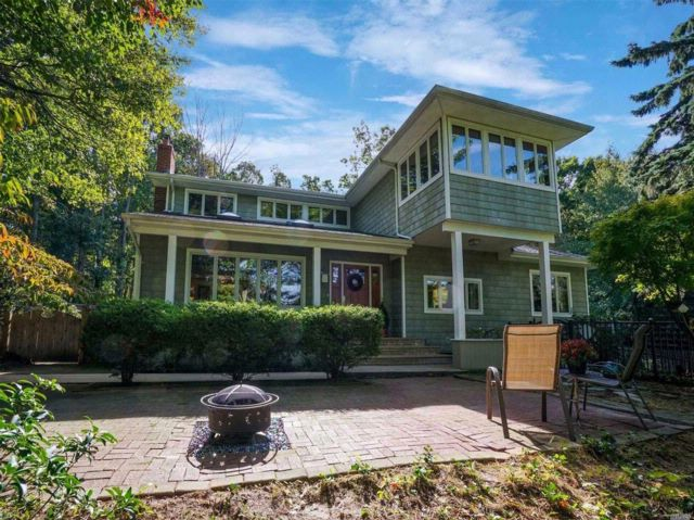4 BR,  3.00 BTH Exp ranch style home in Port Jefferson