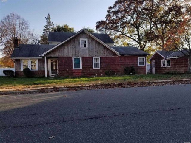3 BR,  2.00 BTH  Ranch style home in West Hempstead