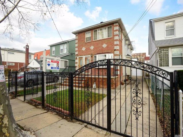 4 BR,  2.00 BTH  Hi ranch style home in South Ozone Park
