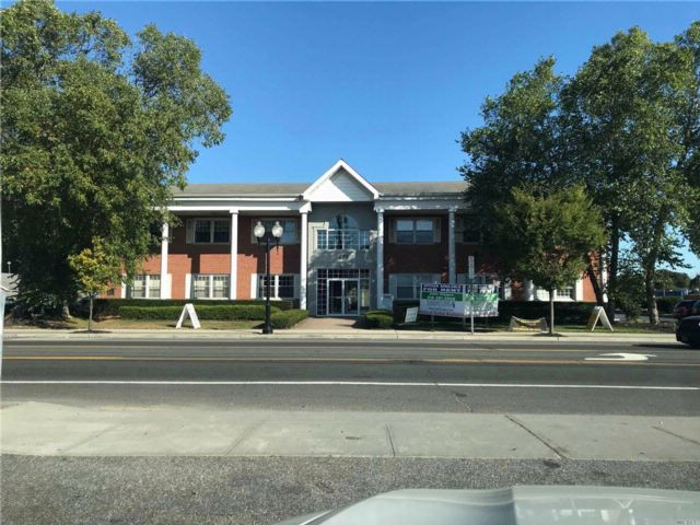 Studio,  0.00 BTH Office bldg style home in Patchogue