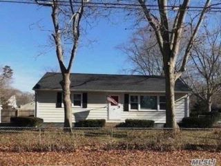 3 BR,  1.00 BTH  Ranch style home in Mastic Beach