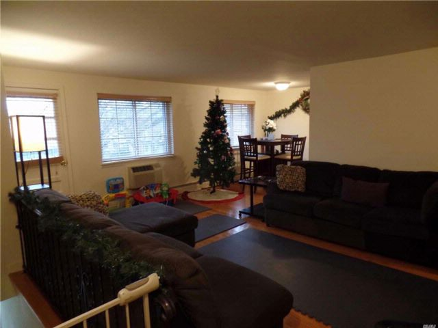 2 BR,  1.00 BTH Co-op style home in Farmingdale
