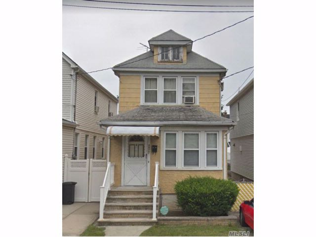 3 BR,  1.50 BTH  Colonial style home in Queens Village
