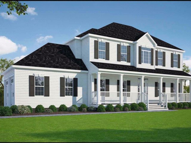 5 BR,  3.50 BTH Colonial style home in Hampton Bays