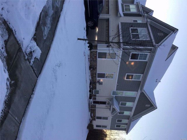 3 BR,  2.50 BTH  Townhouse style home in Mount Hope