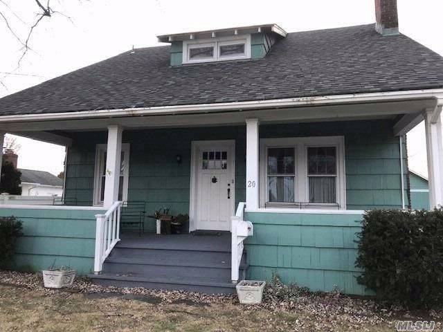 4 BR,  2.00 BTH  Victorian style home in Babylon