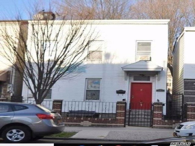 3 BR,  2.50 BTH  Colonial style home in East New York