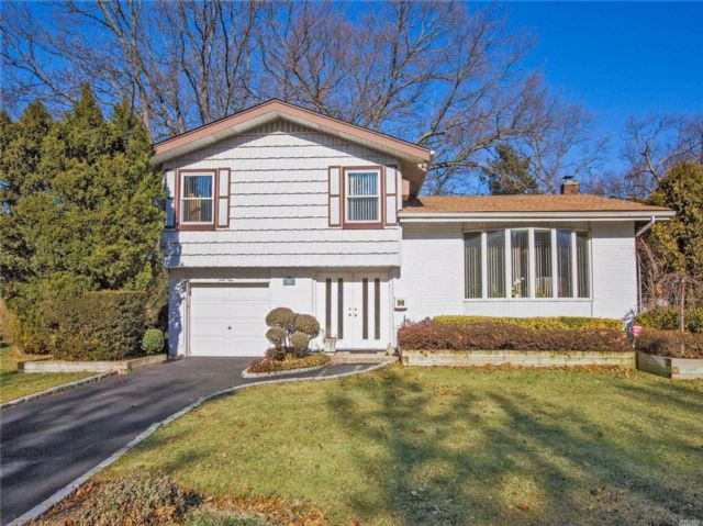 4 BR,  1.50 BTH Split style home in Jericho