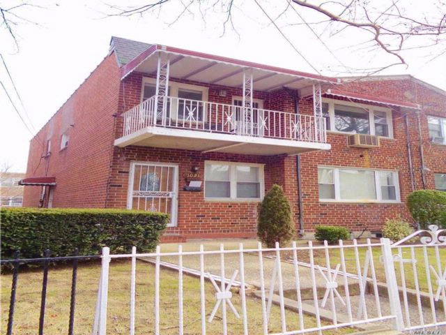 6 BR,  3.00 BTH Hi ranch style home in Mill Basin