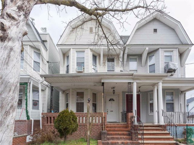 7 BR,  2.00 BTH Colonial style home in Woodhaven