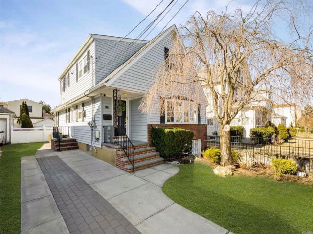 5 BR,  3.00 BTH Colonial style home in Valley Stream