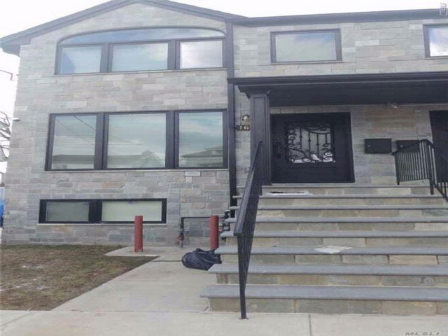 3 BR,  3.50 BTH 2 story style home in Mill Basin
