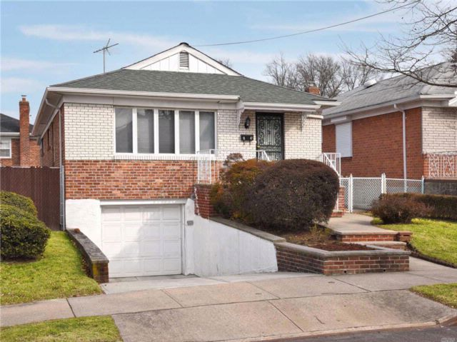 3 BR,  2.00 BTH Ranch style home in Whitestone