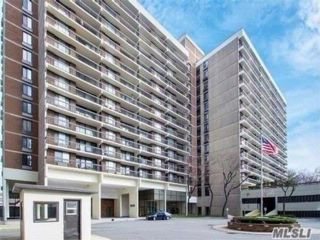 3 BR,  1.00 BTH Condo style home in Flushing