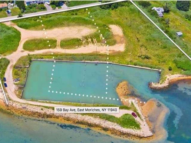 Lot <b>Size:</b> 2 Acres &nbsp;Land style home in East Moriches