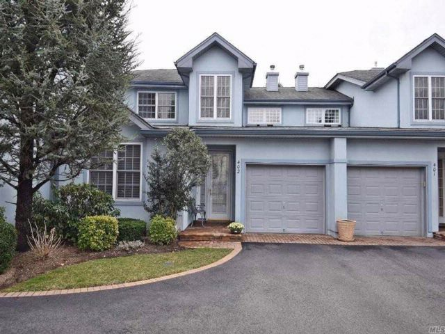 2 BR,  2.50 BTH Condo style home in Melville