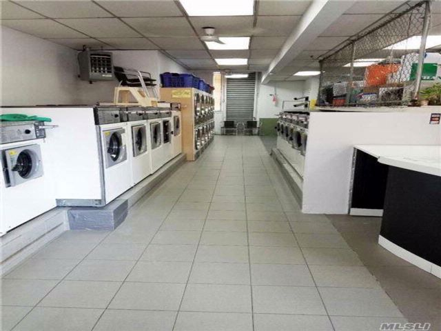 Studio,  0.00 BTH Dry clean style home in Sunnyside