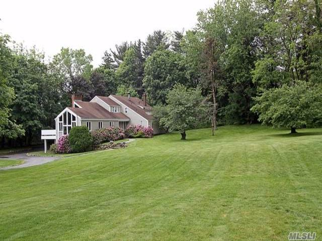 Lot <b>Size:</b> 105X344 &nbsp;Land style home in Old Westbury