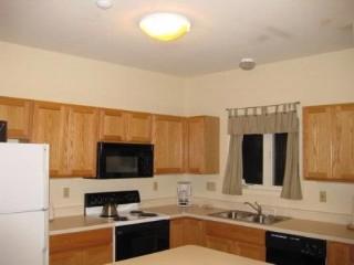 [Hunter Real Estate, listing number 5839005]