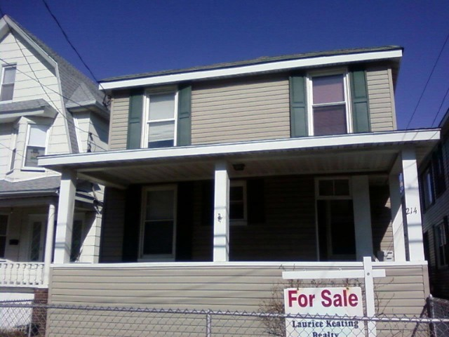 3 BR,  1.00 BTH  2 story style home in ROCKAWAY PARK