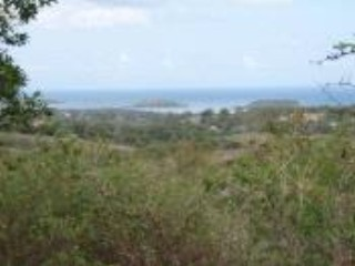 Lot <b>Size:</b> 3 acres &nbsp;Land style home in Vieques