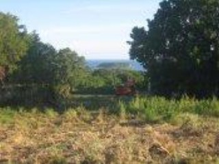 Lot <b>Size:</b> 3.5 acres &nbsp;Land style home in Vieques