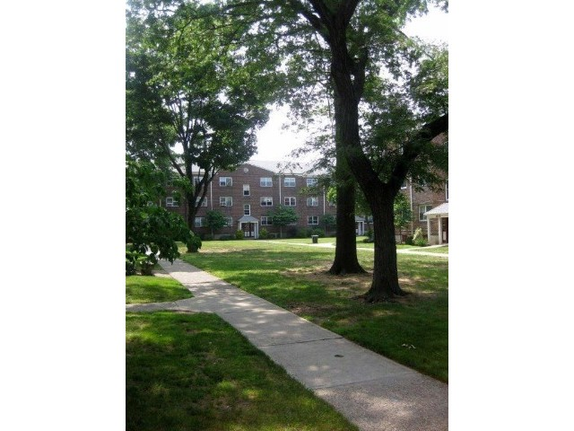 2 BR,  1.00 BTH  style home in Teaneck