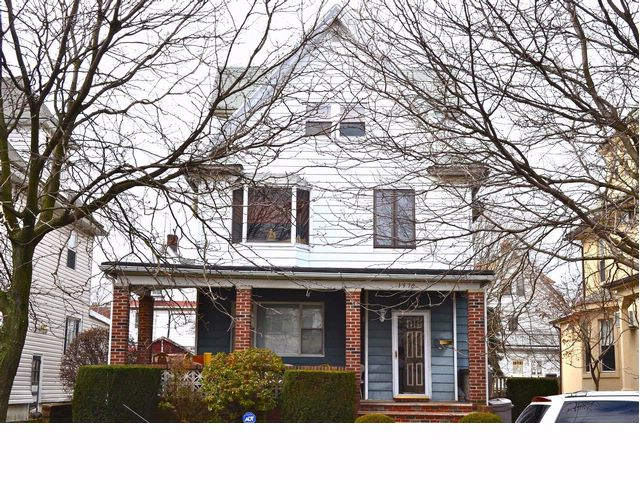 4 BR,  2.50 BTH  Victorian style home in Homecrest
