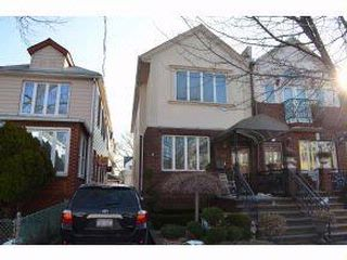 5 BR,  2.00 BTH   style home in Midwood