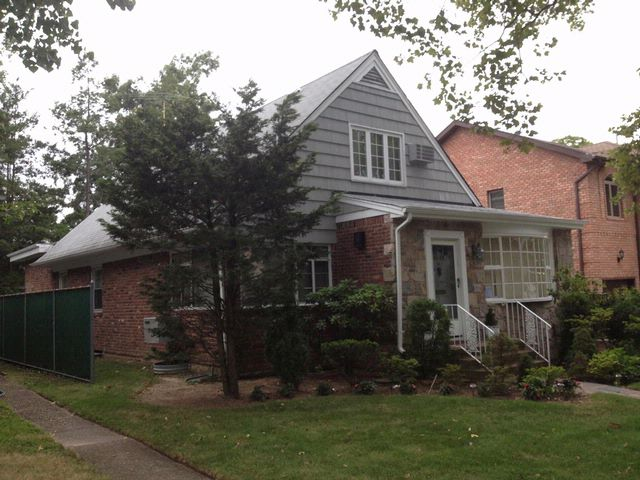 3 BR,  2.00 BTH  Cape style home in JAMAICA ESTATES