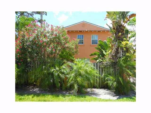 2 BR,  2.50 BTH  Townhouse style home in Fort Lauderdale