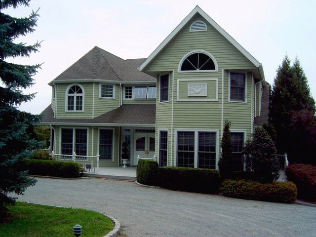 6 BR,  5.00 BTH  Post modern style home in SHELTER ISLAND
