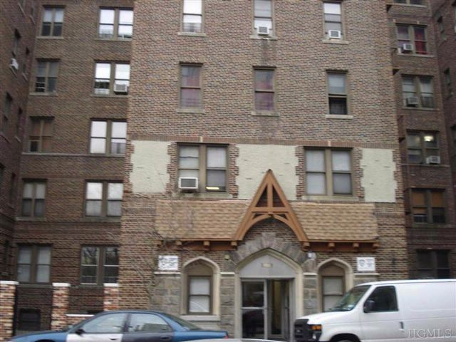 1 BR,  1.00 BTH  Co-op style home in Bronx