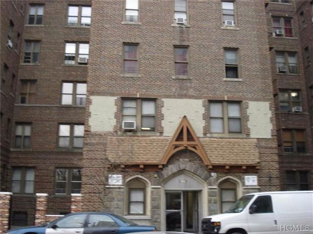 1 BR,  1.00 BTH  Coop style home in Bronx