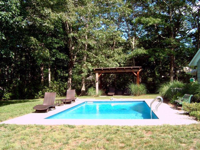 4 BR,  2.00 BTH Cottage style home in SHELTER ISLAND