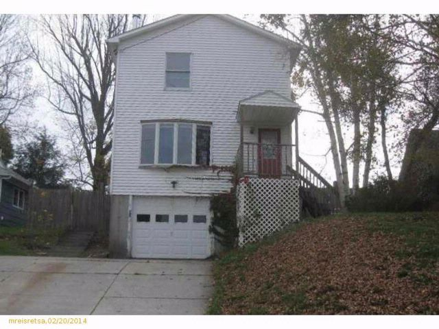 3 BR,  2.50 BTH Colonial style home in Augusta
