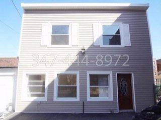 4 BR,  2.00 BTH   style home in Bronx