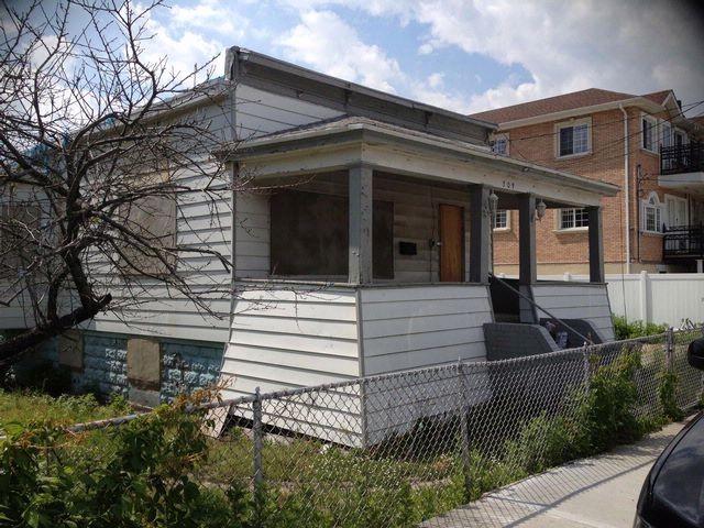 2 BR,  1.00 BTH  Bungalow style home in ROCKAWAY BEACH