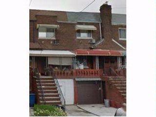 3 BR,  2.00 BTH Duplex style home in BRIGHTON BEACH