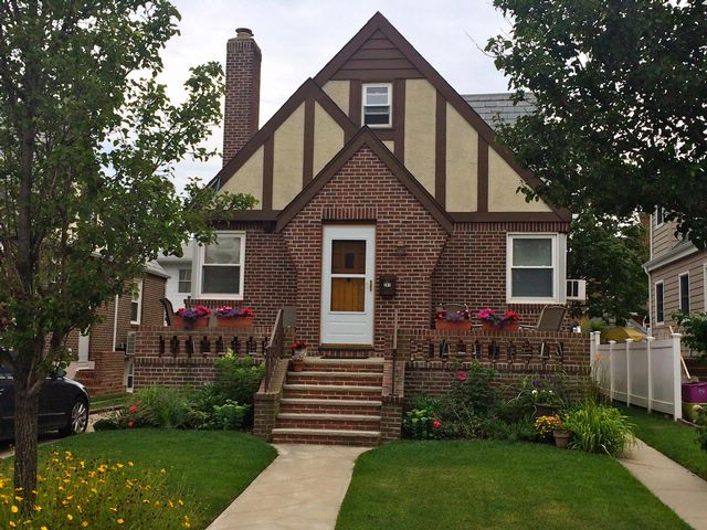 4 BR,  2.50 BTH Colonial style home in BELLE HARBOR