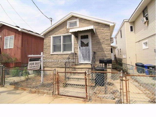 3 BR,  1.00 BTH  Ranch style home in BROAD CHANNEL