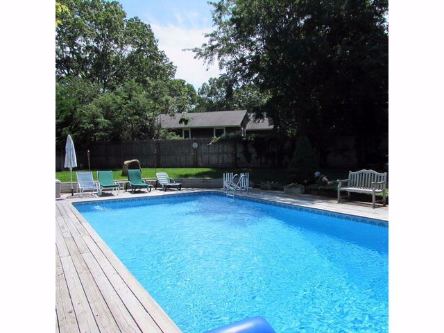 4 BR,  2.00 BTH  Ranch style home in SAG HARBOR
