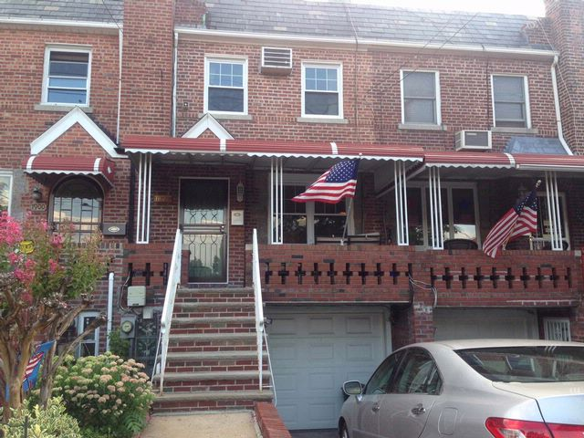 2 BR,  2.00 BTH   style home in MARINE PARK