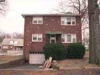 6 BR,  2.00 BTH   style home in Belleville