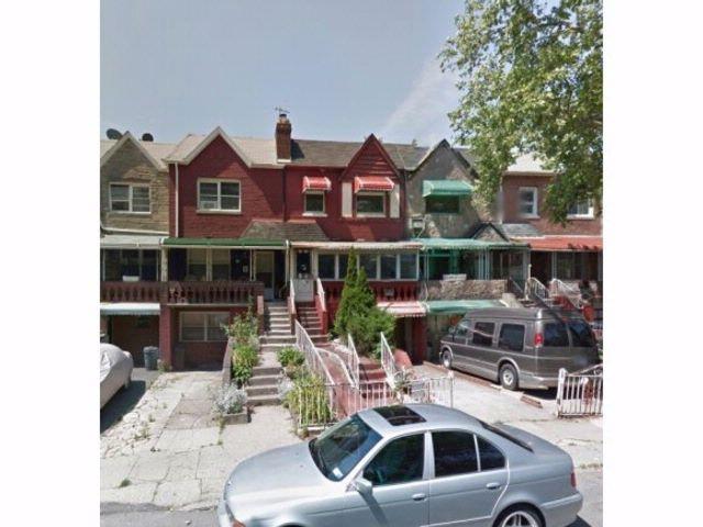 2 BR,  2.50 BTH Duplex style home in Brownsville