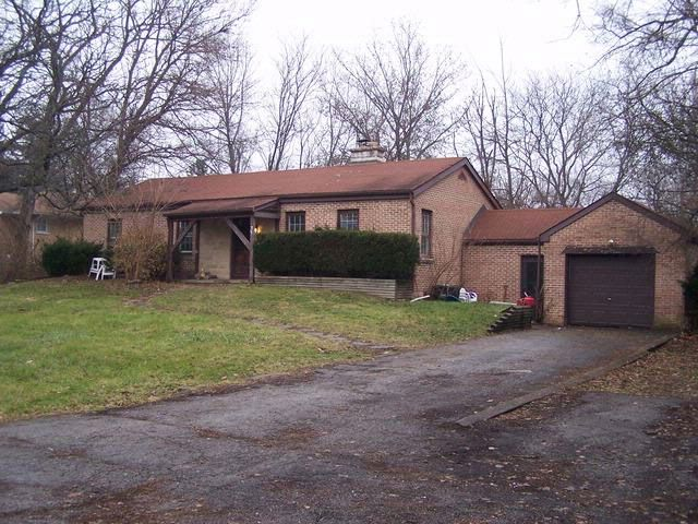 4 BR,  2.00 BTH  Ranch style home in Downers Grove